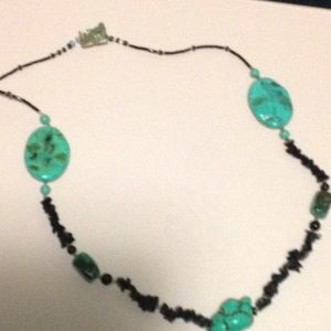 BLACK BEADS AND TURQUOISE NECKLACE
